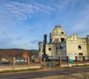20191211 - montaż szczytowej konstrukcji z krzyżem na kopule naszej świątyni